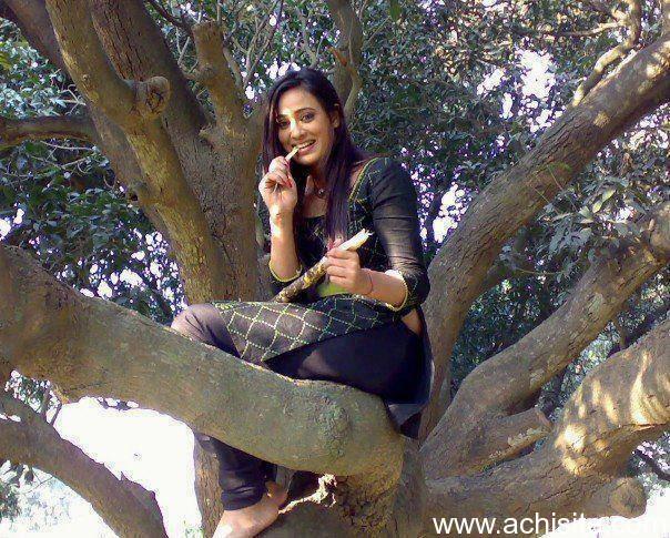 Pakistani Girls Photos, Pakistani Beautiful College Girls ...